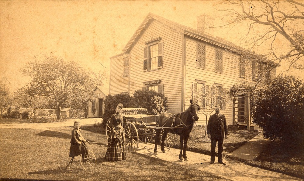 A view of the boyhood home of Adventist pioneer Joseph Bates in Fairhaven, Massachusetts, in 1889. Credit: AHM